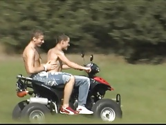 2 Mega geile Boy's Bare Outdoor Fun